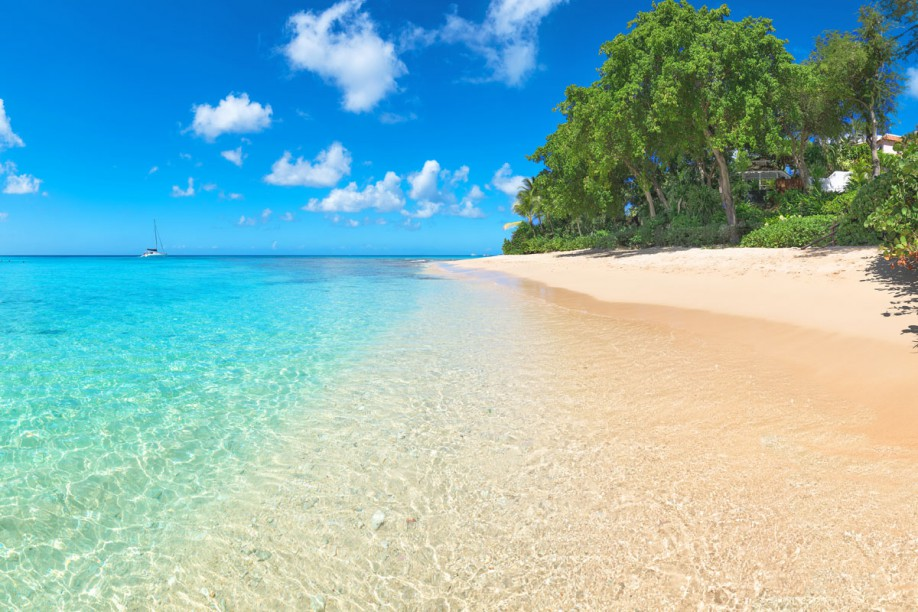 Perfect Barbados crystal clear waters